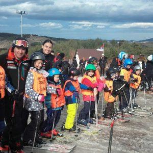 Polaznici i instruktori ski škole Čigota